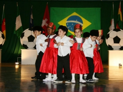 Festa Junina homenageia nações da Copa do Mundo