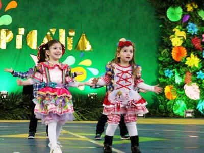Festa Junina fez homenagem à Tropicália