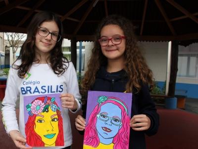 Auto-retratos são inspirados no movimento Pop Art