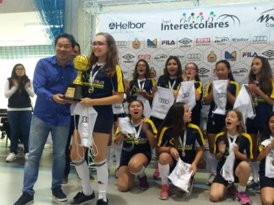 JOGOS: Colégio Brasilis é campeão no vôlei sub12