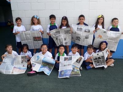 Crianças conhecem o jornal impresso