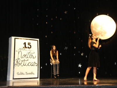 Noite Poética encanta pais e alunos no Theatro Vasquez
