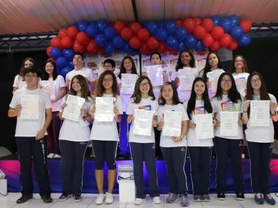 Alunos do Colégio Brasilis conquistam certificação dos exames de Cambridge