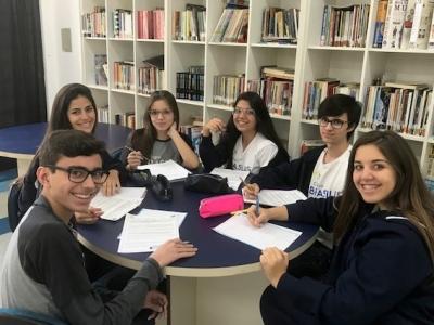 Unesp meio do ano: alunos estudaram tema da redação em sala de aula