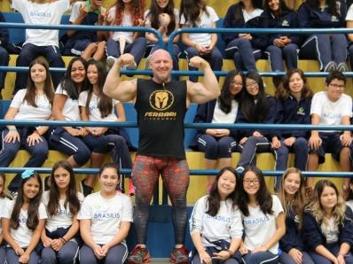 Strongman participa da Semana de Boas-vindas