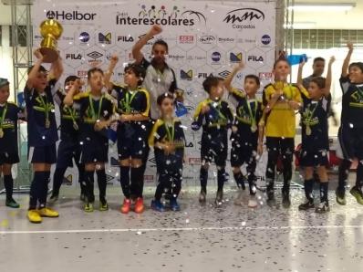 Interescolares: time sub8 é campeão no futsal